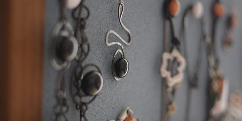 Χειροποίητη θήκη-display για κοσμήματα