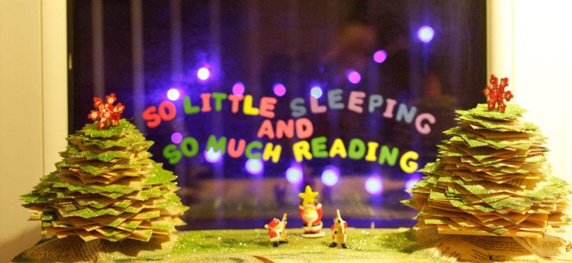 Χριστουγεννιάτικα δεντράκια από βιβλία και άλλες περιπέτειες