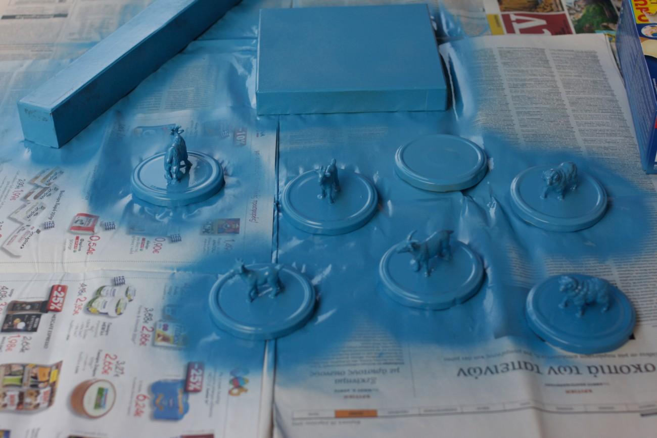 6 μπλε κατσικάκια