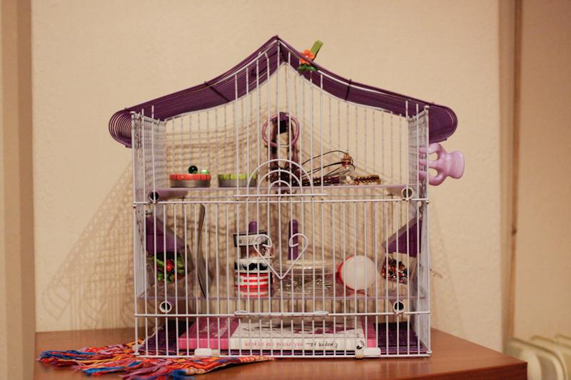 Ένα κλουβάκι ραφιέρα για μικροπράγματα