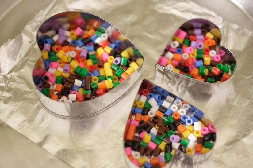 Οι πολύχρωμες καρδούλες μου με τις χάντρες που λιώνουν!
