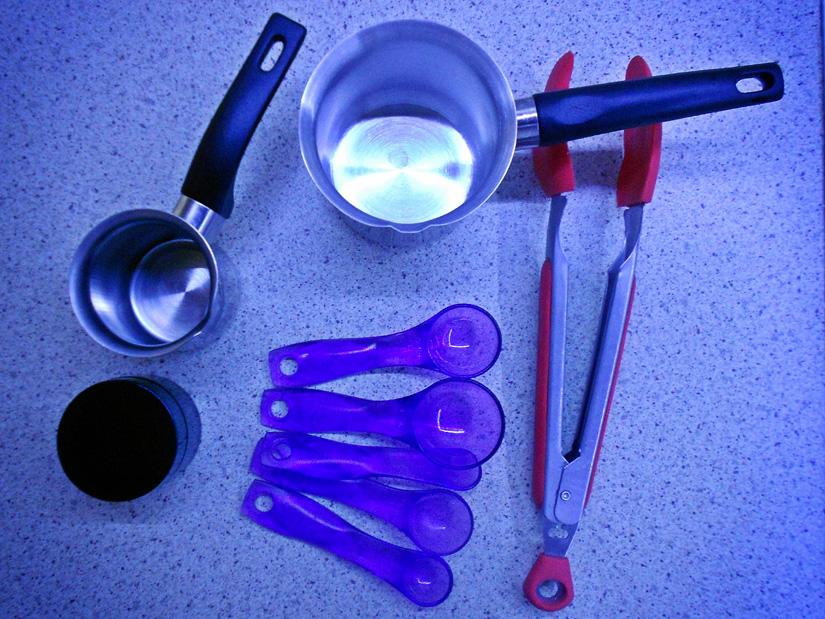 Τα υλικά και τα εργαλεία για την κεραλοιφή