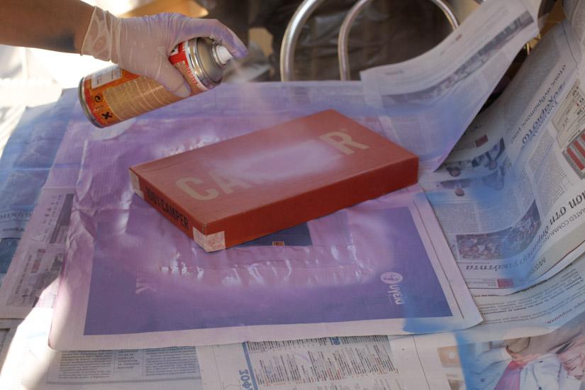 Έχω βάψει και έχω βάψει κουτιά στο μπαλκονάκι μου για χειροτεχνία!