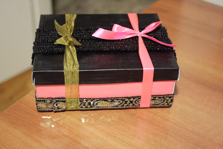 Κουτί με δαντέλα και κορδέλα