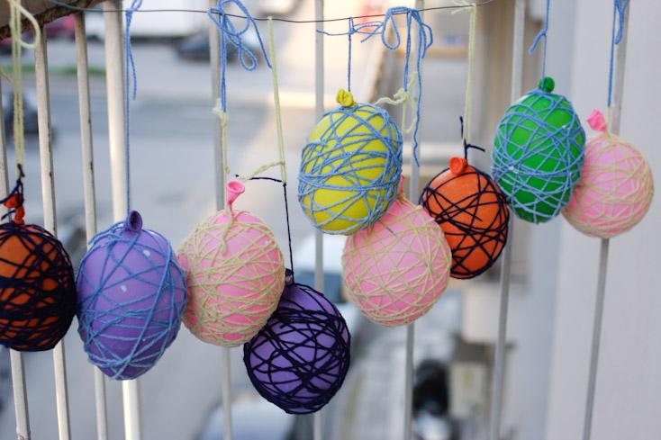 Μπορείτε να κρεμάσετε τα αυγά και στο μπαλκόνι για να στεγνώσουν