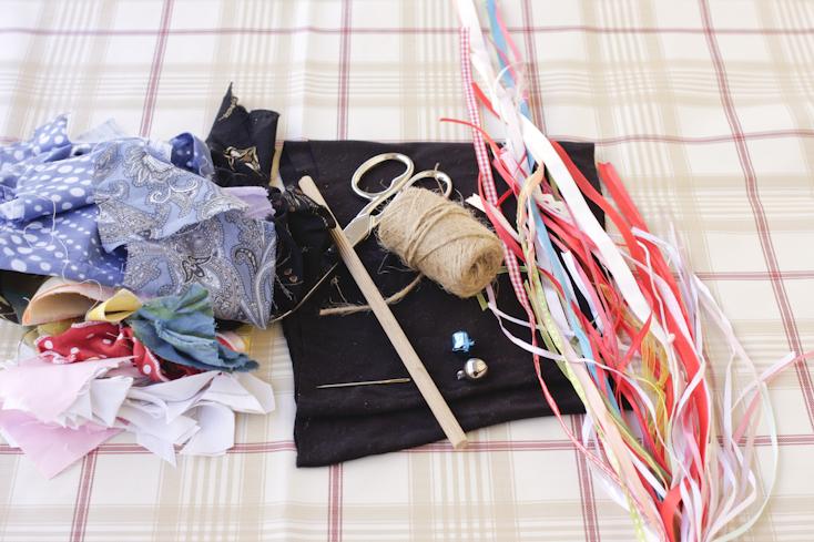 Τα υλικά και τα εργαλεία για το παιχνίδι της γάτας