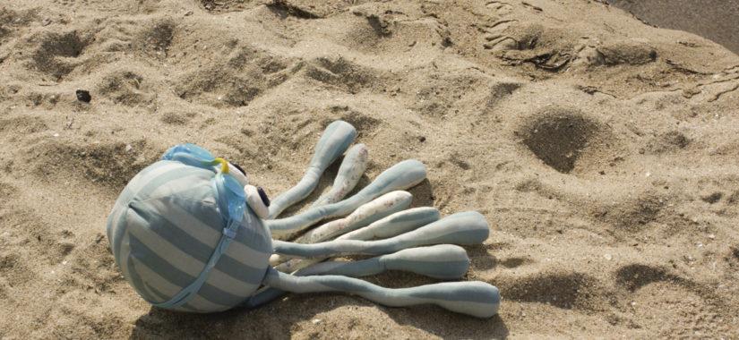 """Υφασμάτινο χταπόδι και φάλαινα με πατρόν της """"DIY fluffies"""""""