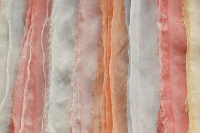 4 ιδέες χωρίς ράψιμο για ένα παλιό σεντόνι